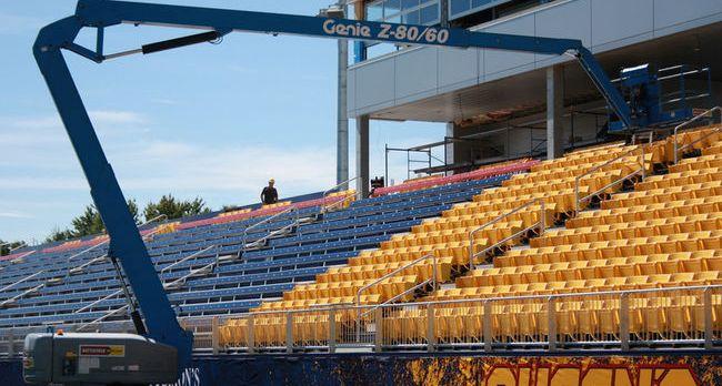 finishing-touches-at-Queens-stadium-crop.jpg